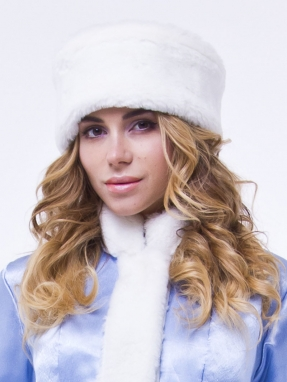 Белая шапка снегурочки